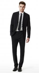 hombre en traje de negocios