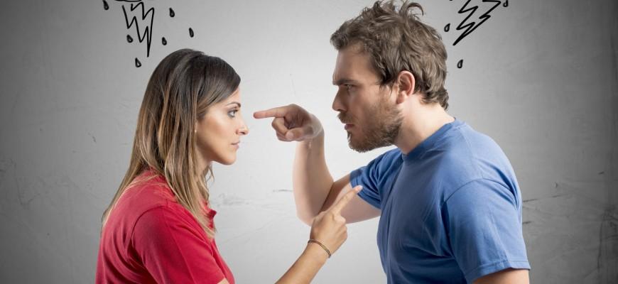 pareja discutiendo 2